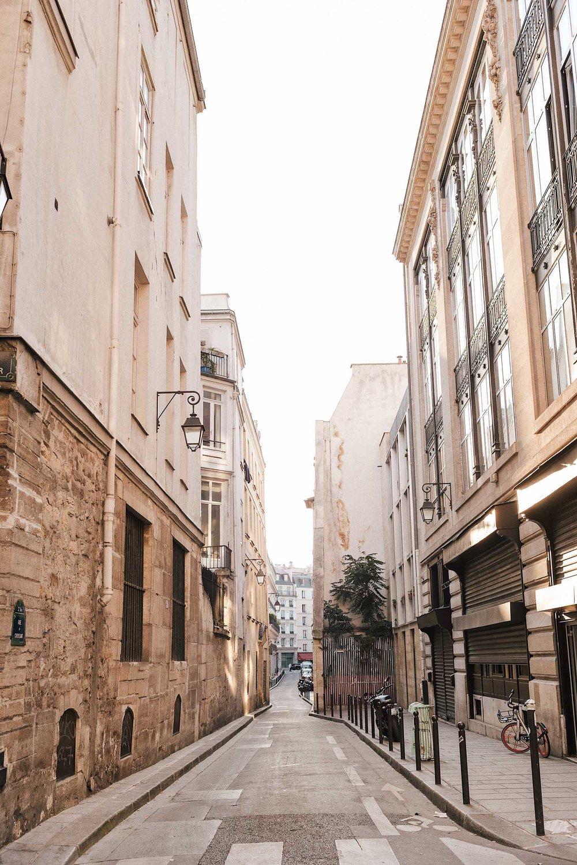 Rue du Croissant in Paris