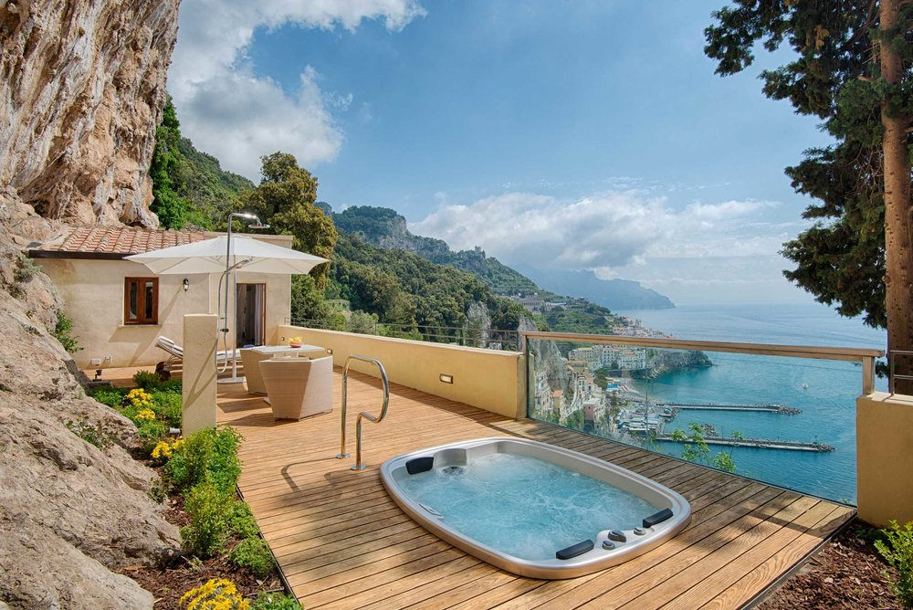 A beautiful private pool at NH Collection Grand Hotel Convento di Amalfi in Amalfi