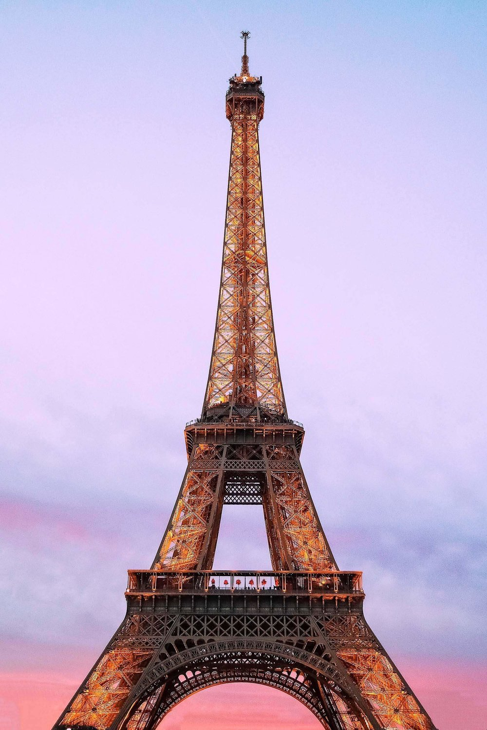 Where to spend one week in Europe? Paris and London