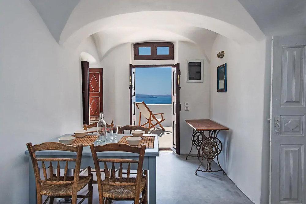 ckanani-airbnb-santorini-10-8.jpg