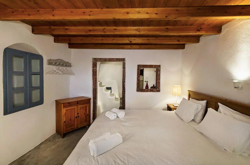 ckanani-airbnb-santorini-6-5.jpg