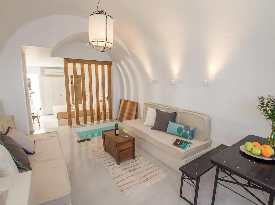 ckanani-airbnb-santorini-3-4.jpg