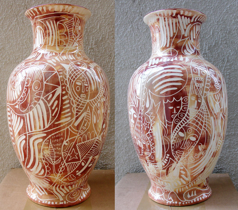 johnmichaelgill_ceramicvase_brown.jpg