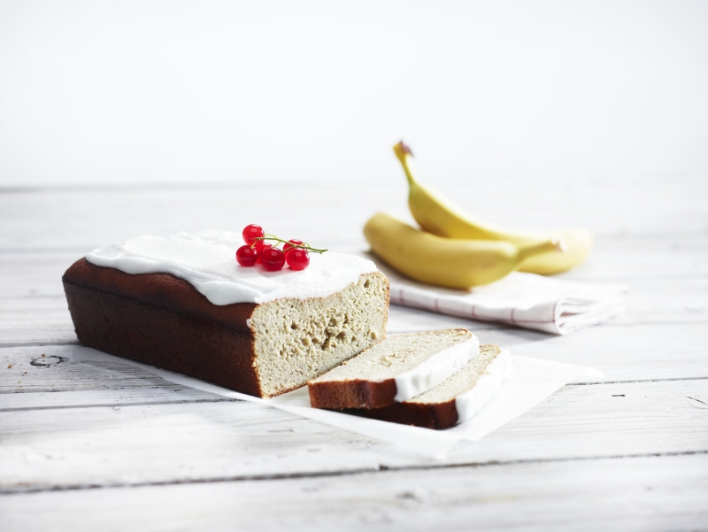 The smarter difference: Half the calories, and 60% less carbs and fat than regular banana cake Serves: 10 - Time to prepare: 10 min. Time to cook: 30 min Preparation: Easy Free From: Sugar, Gluten, Wheat, and Egg if egg replacer is used. Suitable for Diets: Diabetics and Coeliacs Suitable for Lifestyles: Low carb, Sugar free, Vegetarian, Vegan, Low fat. Allergens (Contains): Sesame. Beneficial Nutrition: Low-Carb, Low-Sugar and Gluten-Free Sukrin Products: Cake Mix. #sukrinuk #byebyesugar #glutenfree #weightloss #healthy #diet #baking #cakemix #cake #recipe #banana