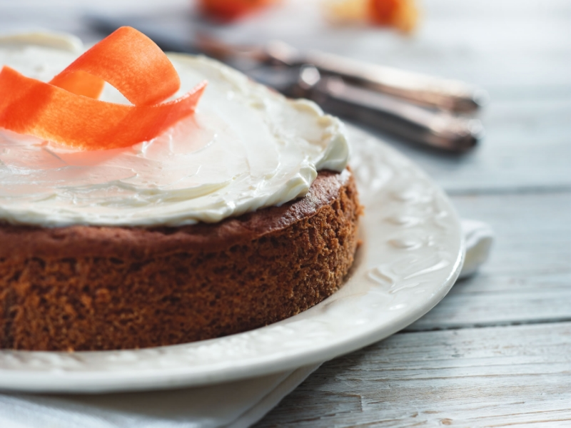 The smarter difference: Half the calories, 80% less carbs, and 70% less fat than regular carrot cake Serves: 10- Time to prepare: 10 min. Time to cook: 30 min Preparation: Easy Free From: Sugar, Gluten, Wheat, and Egg if egg replacer is used. Suitable for Diets: Diabetics and Coeliacs Suitable for Lifestyles: Low carb, Sugar free, Vegetarian, Vegan, Low fat. Allergens (Contains): Sesame. Beneficial Nutrition: Low-Carb, Sugar-Free and Gluten-Free Sukrin Products: Cake Mix. #sukrinuk #byebyesugar #glutenfree #weightloss #healthy #diet #baking #cakemix #recipe #cake