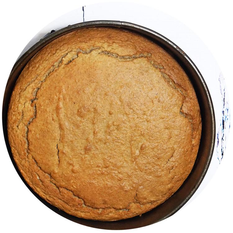 sukrin-cake-mix-cinnamon-cake-bake.jpg