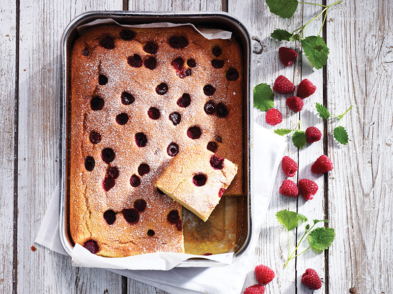 The smarter difference:Half the calories, 80% less carbs, and 70% less fat than regular raspberry cake Serves:12-Time to prepare:10 min. Time to cook:30 minPreparation:Easy Free From:Sugar, Gluten, Wheat, and Eggif egg replacer is used. Suitable for Diets:Diabetics and Coeliacs Suitable for Lifestyles:Low carb, Sugar free, Vegetarian, Vegan, Low fat. Allergens (Contains):Sesame. Beneficial Nutrition:Low-Carb, Low-Sugar and Gluten-Free Sukrin Products:Cake Mix #sukrinuk #glutenfree #weightloss #healthy #diet #baking #cakemix #recipe #cake