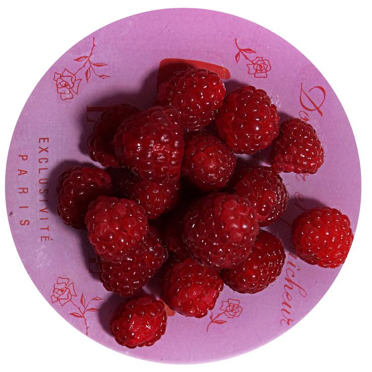 sukrin-cake-mix-raspberry-cake-prepare.jpg