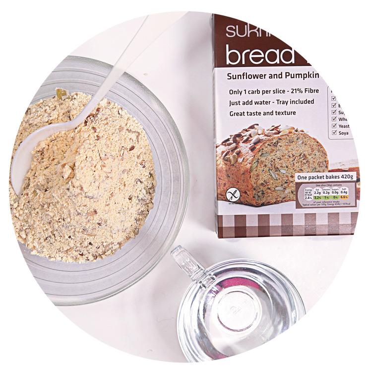 sukrin-bread-mix-fhot-dogs-prepare.jpg