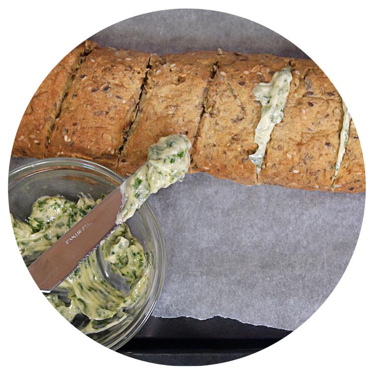 sukrin-bread-mix-garlic-bread-bake.jpg