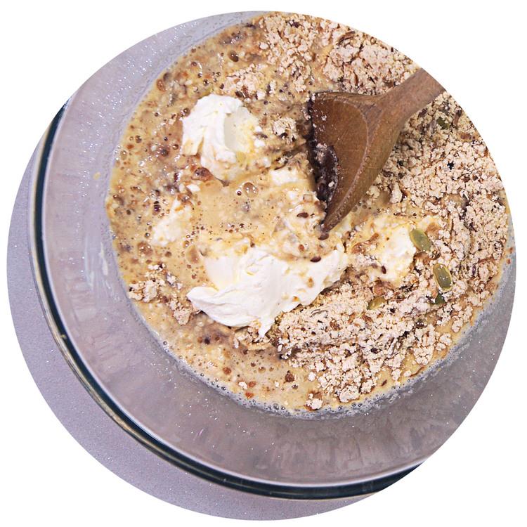 sukrin-bread-mix-rolls-mix.jpg
