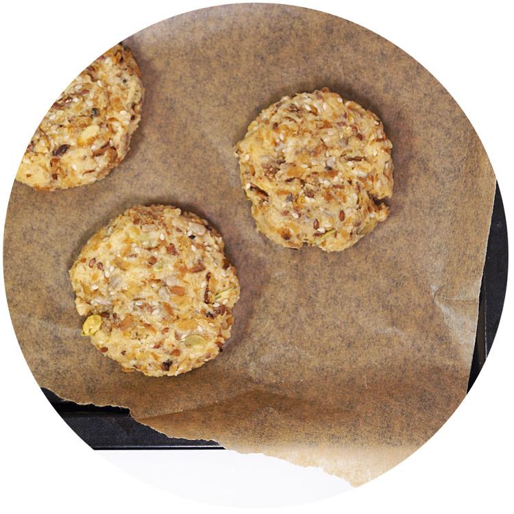 sukrin-bread-mix-breakfast-rolls-bake.jpg