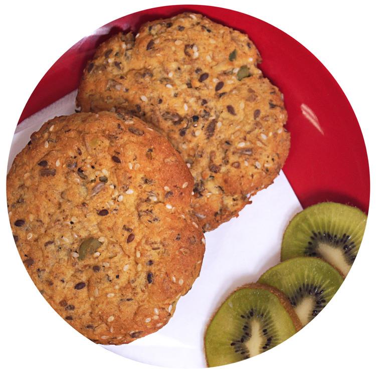 sukrin-bread-mix-breakfast-rolls-enjoy.jpg