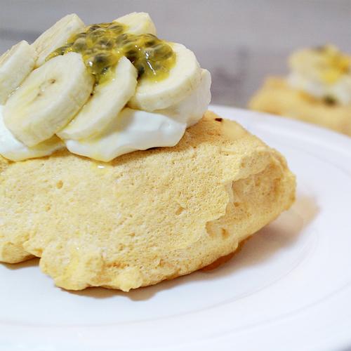 sukrin-sugar-free-meringue-with-sukrin-granulated-recipe-enjoy.jpg
