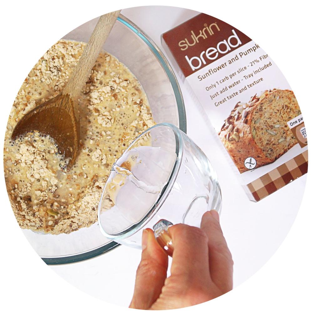 sukrin-bread-mix-low-carb-prepare.jpg