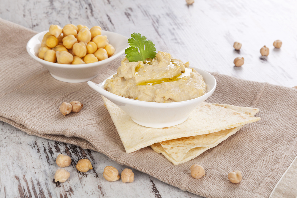 1062+houmous+with+sukrin+sesame+flour_Right+Column.jpg
