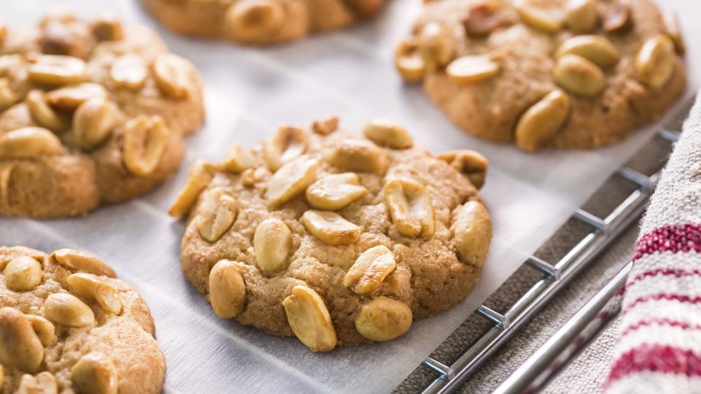 1037+peanut+cookies.jpg
