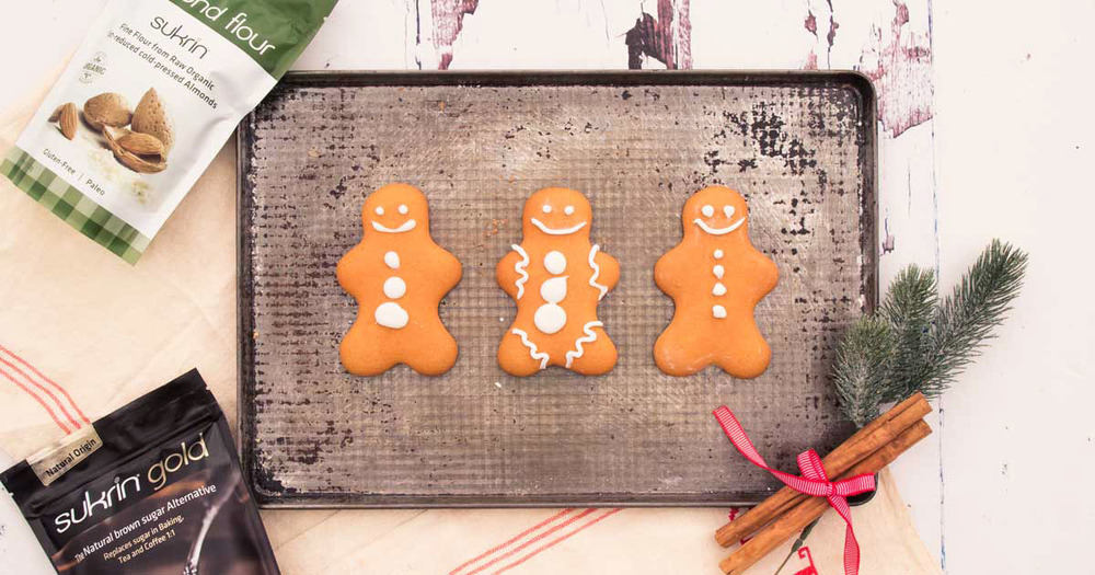 Sukrin-Gingerbread-with-Products-fbblue.jpg