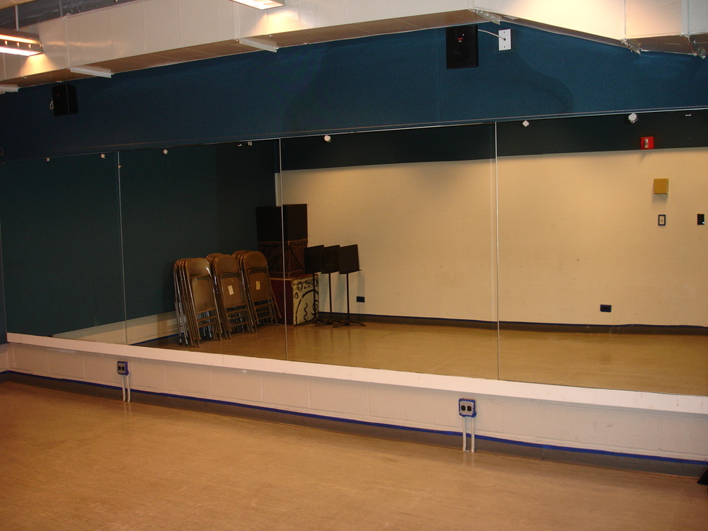 Studio three 21' x 14' ($22/hr)