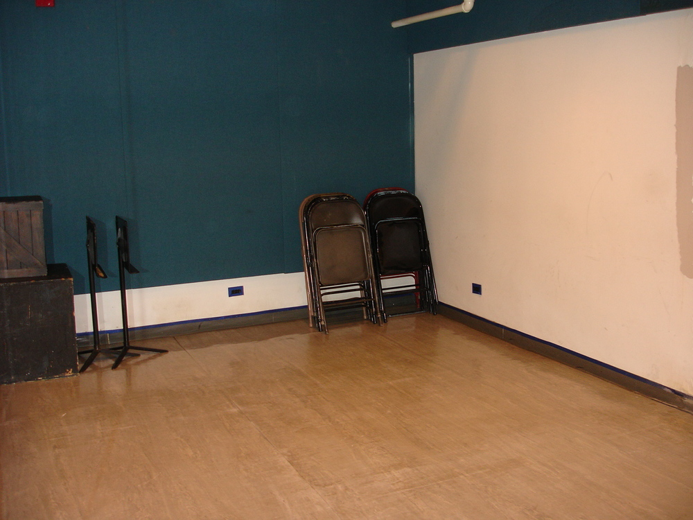 Studio four 19' x 11' ($20/hr)