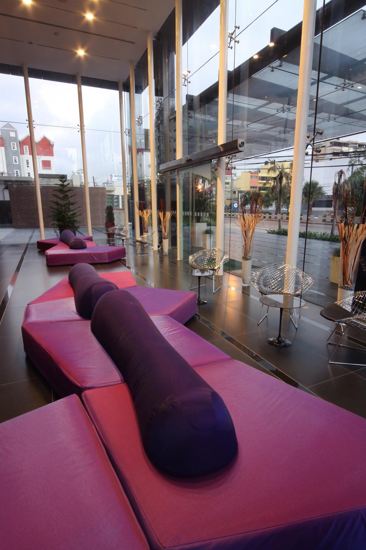Lobby Principal Holiday Inn, Santo Domingo, Proyecto Asociado a Sanchez Curiel Arqs.