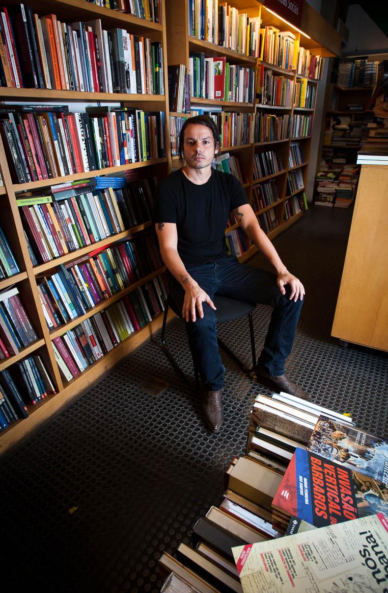 Santiago Nazarian, escritor