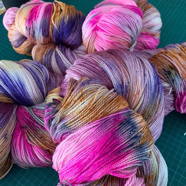 @amelia_put Does it right! Her amazing yarn The Struggle is Real turning into kits for my Myriad shawl.  Collaboration for the win! #handdyedyarn #yarnporn