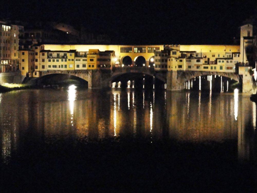 Ponte Vecchio di notte.JPG