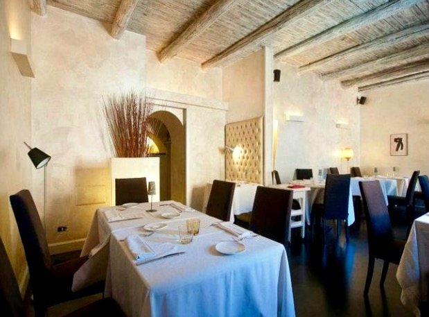 Antico Arco dining 2.jpg