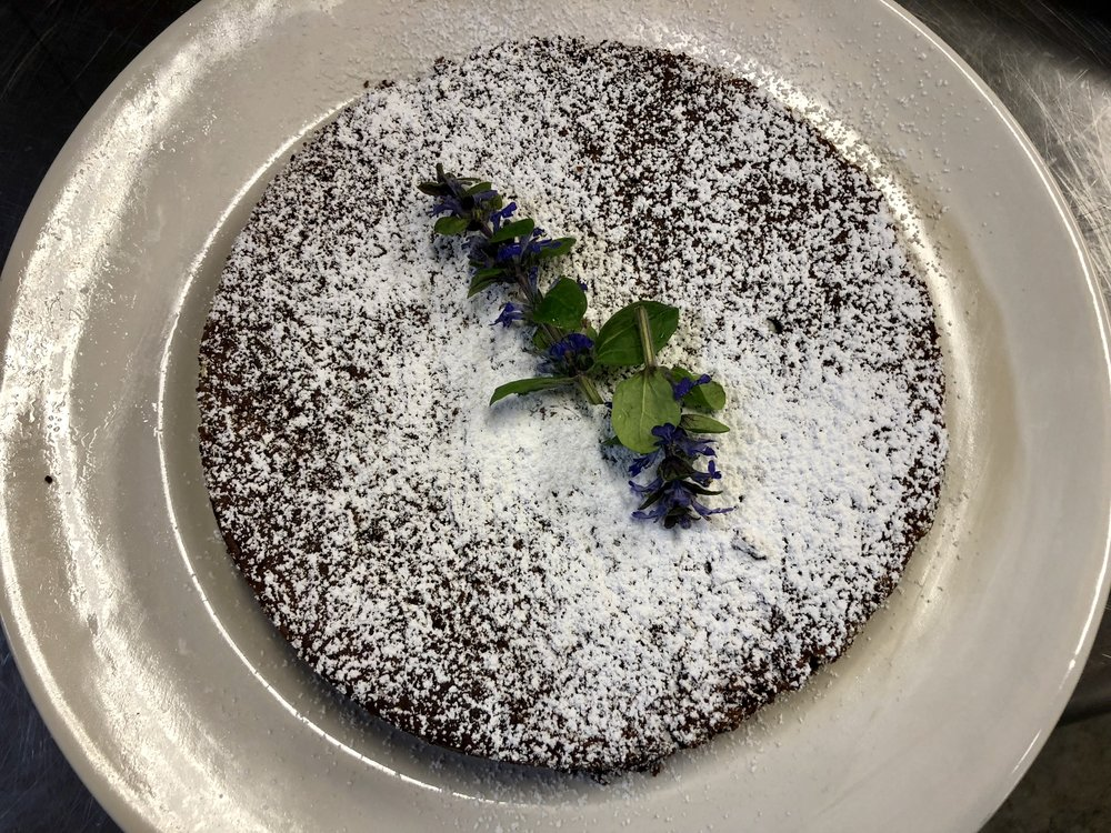 Torta Caprese (flourless chocolate cake with ground almonds)