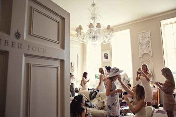 49eda-fun-magical-english-wedding-photos-by-marianne-taylor-10.jpg