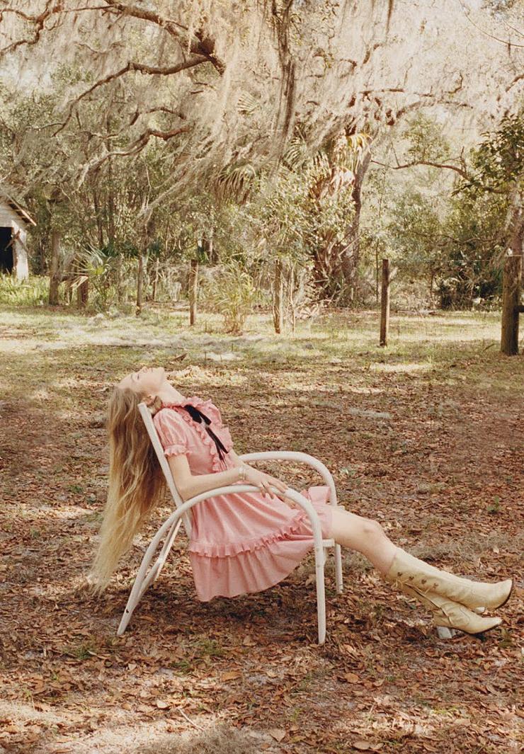 e18c7-pink-frill-dress-photo-venetia-scott.jpg