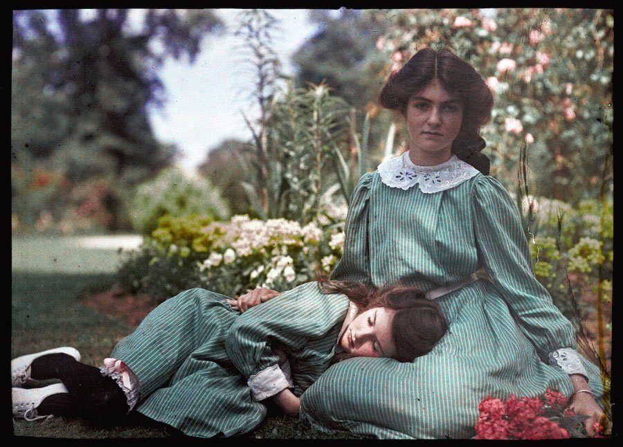 Etheldra-Laing-autochrome-napping.jpg