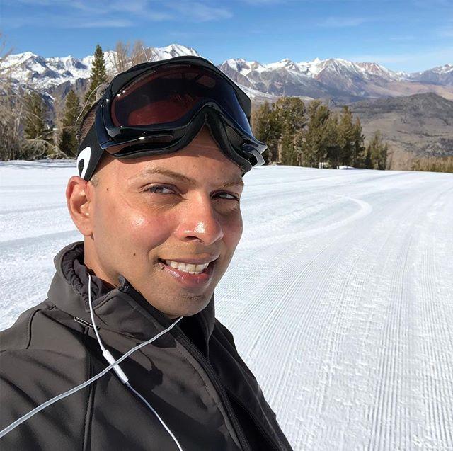 Loving today on the slopes #stromhites #travelingwithgays