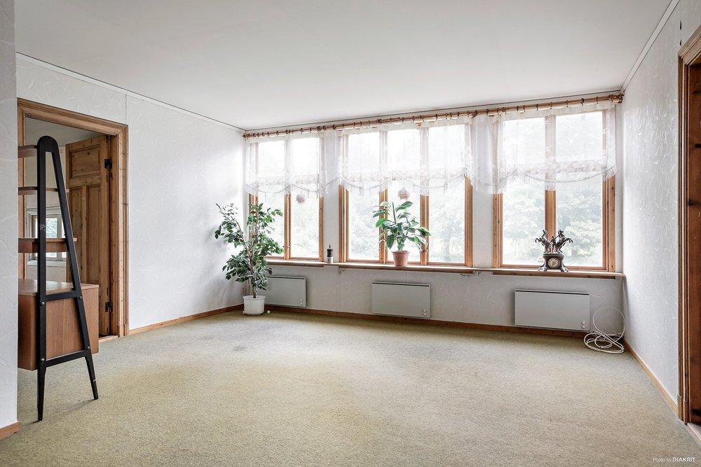 hallfönster_ovanvåning.jpg
