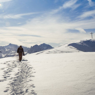 winter-hiking-feat-img-820x312.jpg