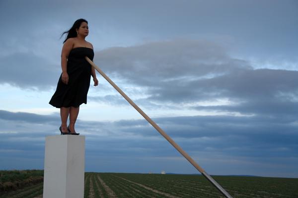 """Melati Suryodarmo, """"Ale Lino"""" (2002). Photograph by Reinhard Lutz"""