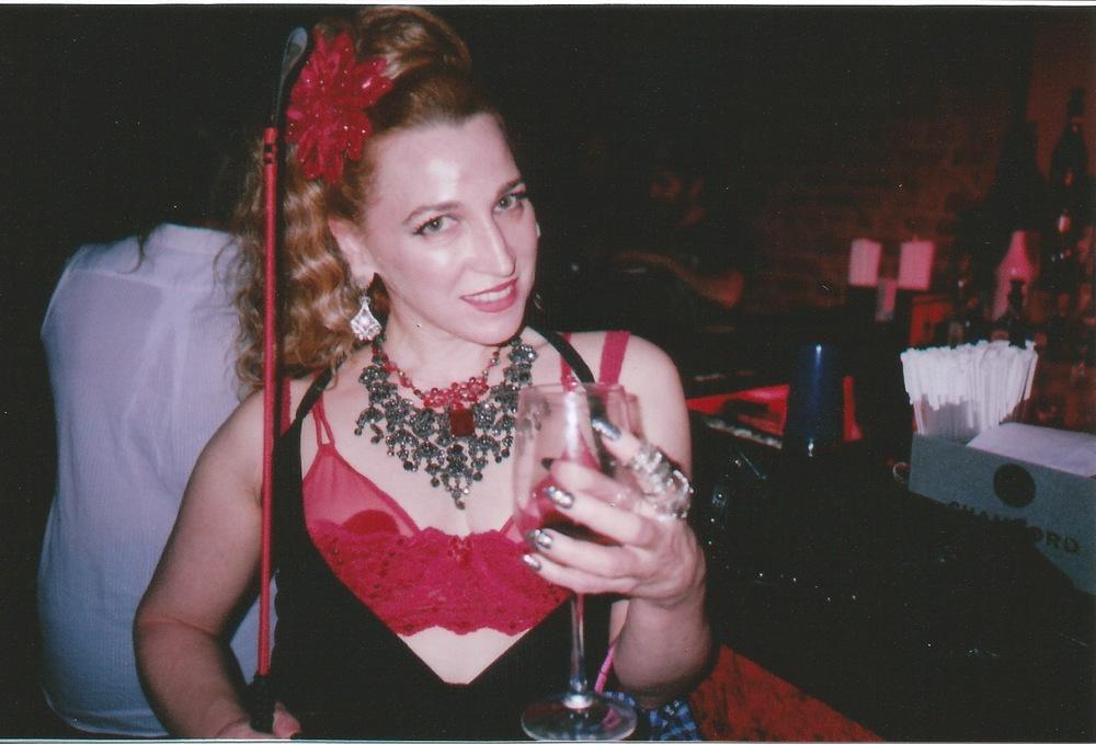 Burlesque performer Honi Harlow