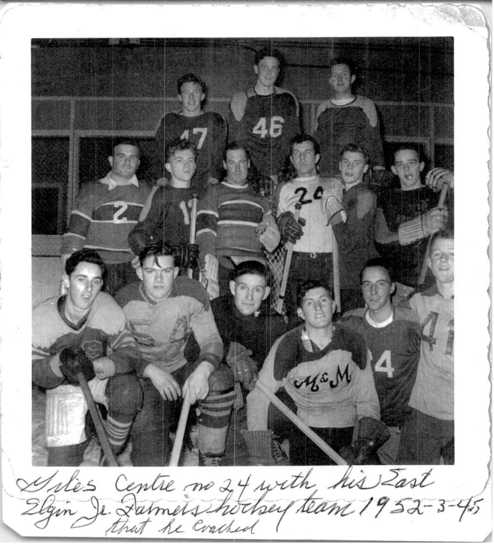 1952 - Jr Farmers Player Coach Hockey team 24-1500.jpg