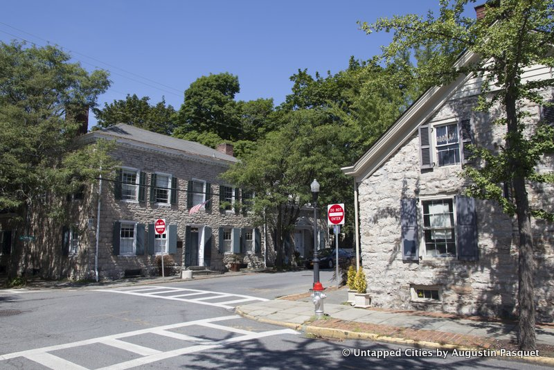 Kingston-Hudson-Valley-Stockade-Historic-District-Four-Corners-Dutch-Stone-Houses.jpg