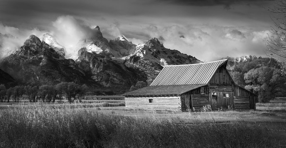 Grand_Tetons_ Barn-copy.jpg