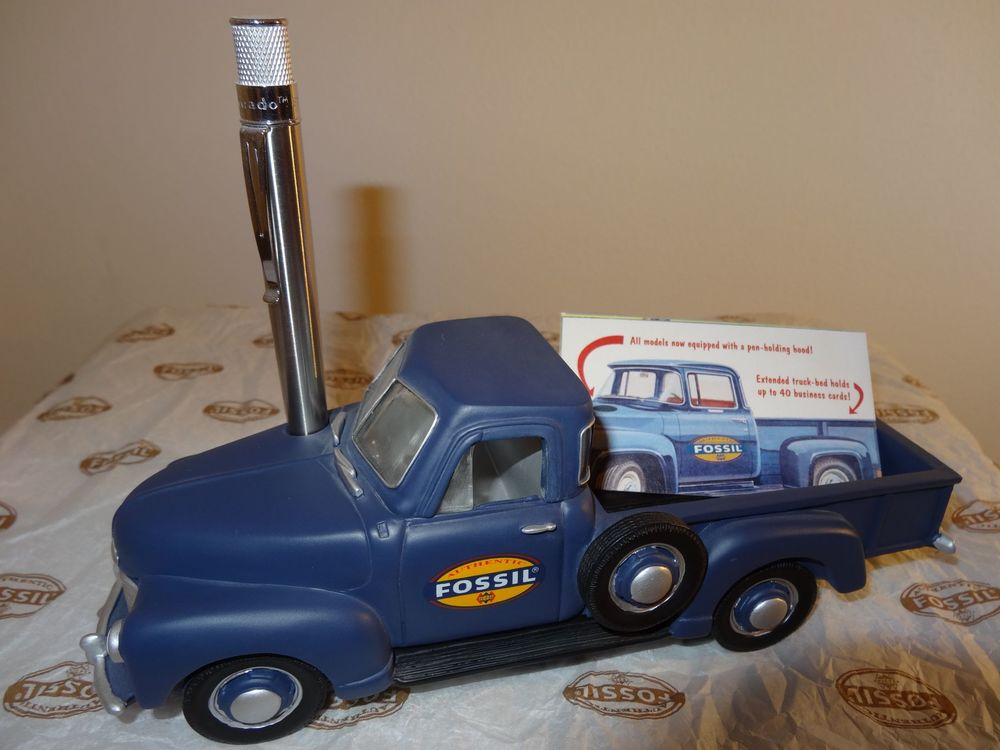 FOSSIL Truck blue
