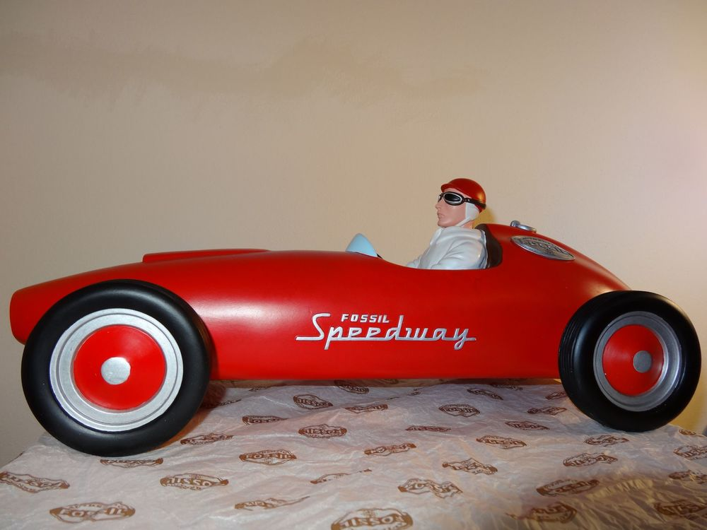 Big Fossil Speedway Car red