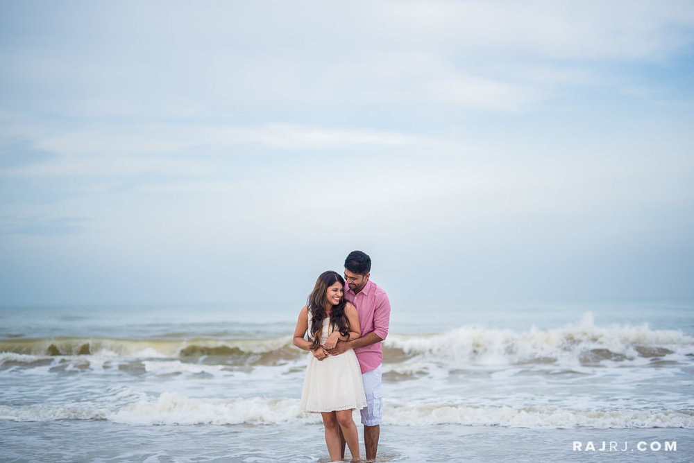 Couple_Shoot_Pondicherry_Le_Pondy_Beach-5.jpg