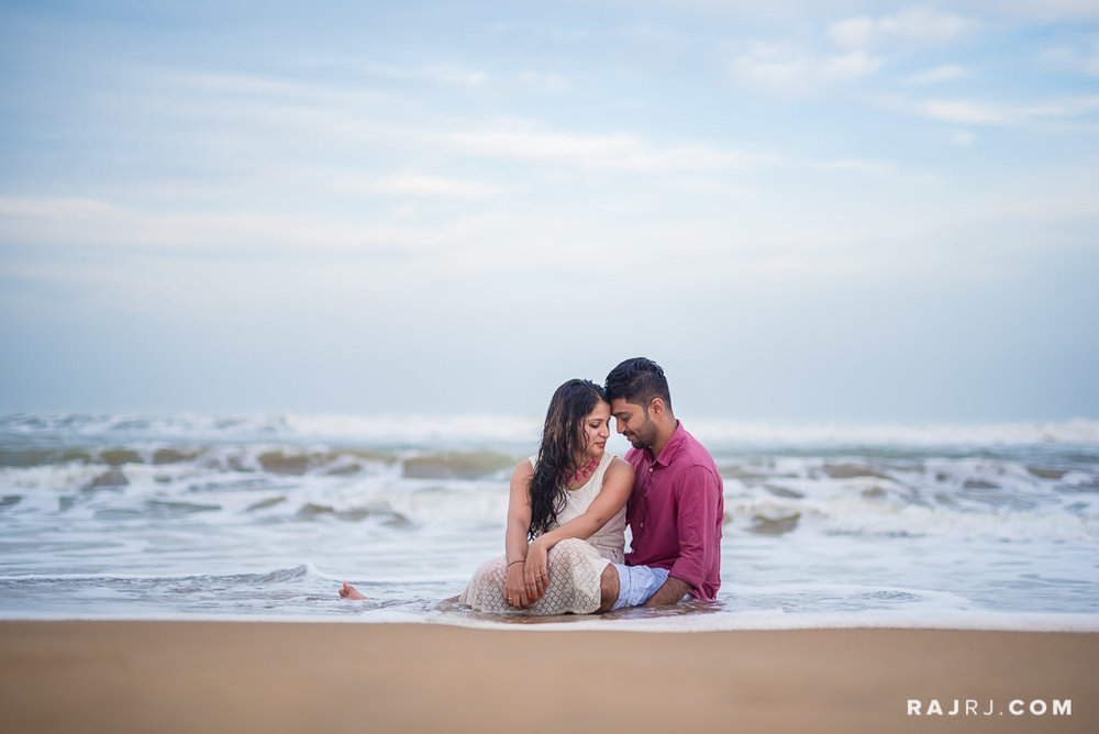 Couple_Shoot_Pondicherry_Le_Pondy_Beach-12.jpg