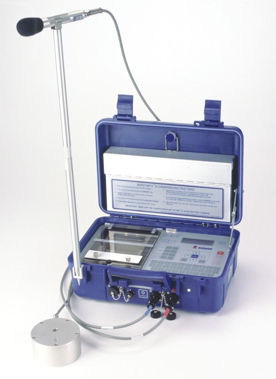 Monitor de vibraciones y de sobrepresión  Instantel®  Blastmate III™