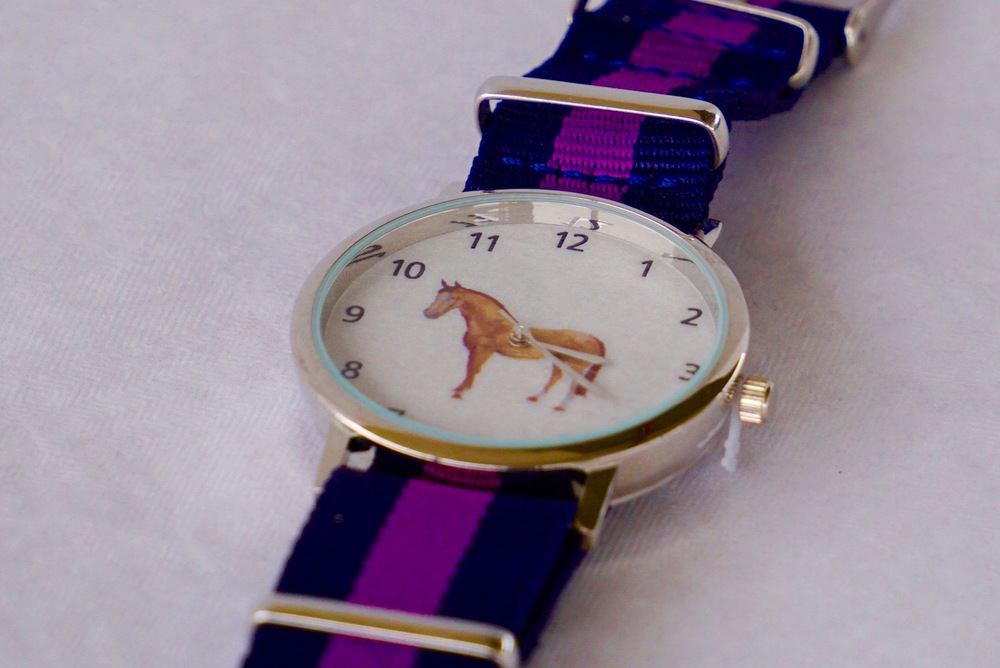 Great quality horse wristwatch, perfect for keeping the time on the yard!