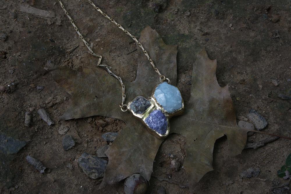 woodland_solo_pendant_leaf.png