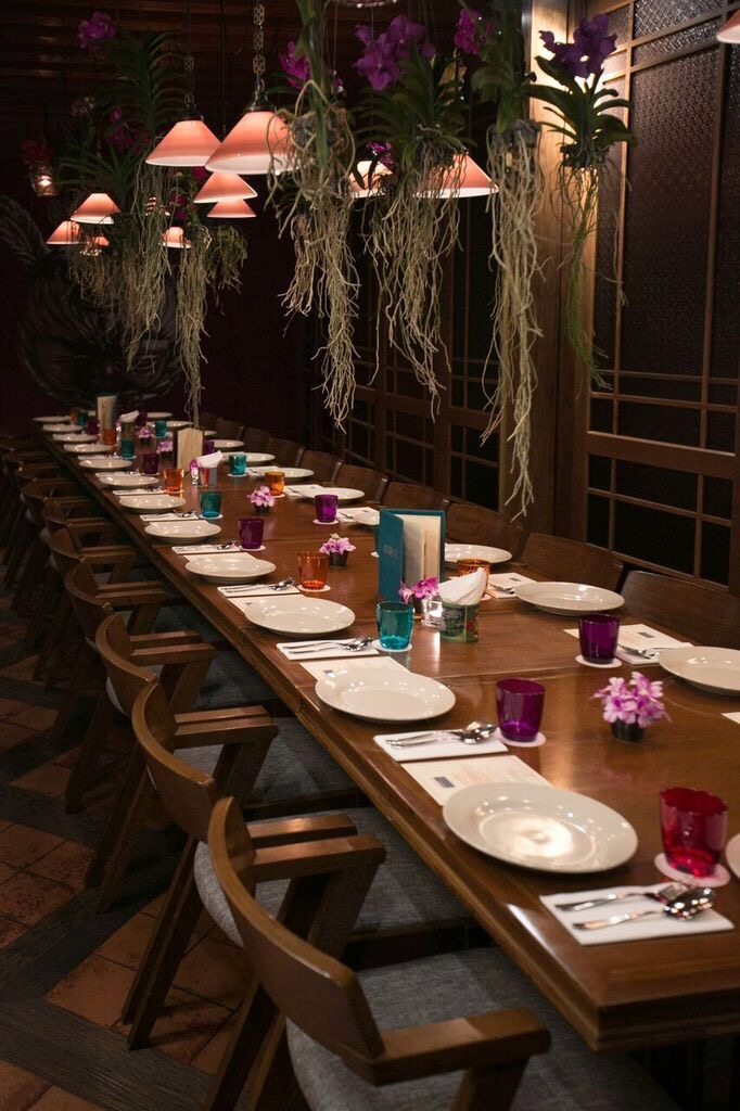 Sumptuous and beautiful setting for Adrian Chan and Ryan Su's collector dinner at Long Chim, Marina Bay Sands