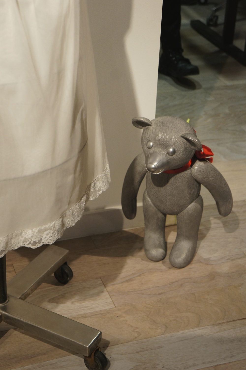 Mayumi Amada's cast aluminum teddy bear (with movable parts) made an appearance at the opening